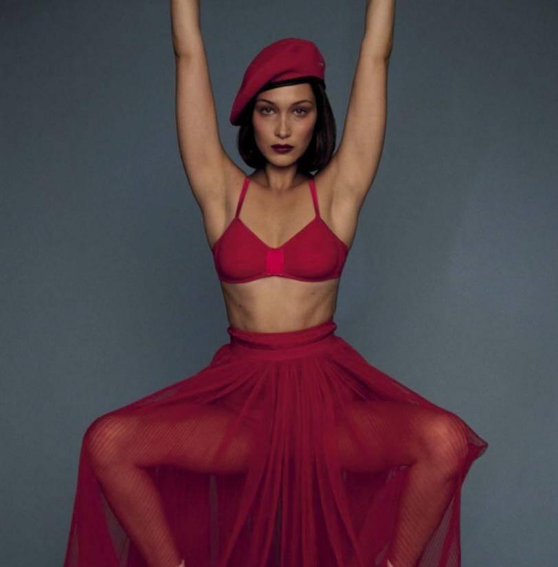 Фото в нижнем белье в красном