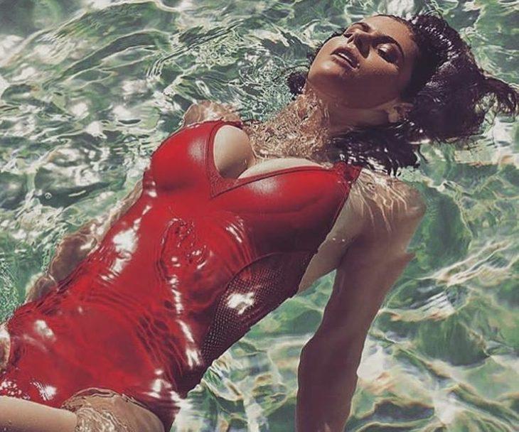 Alexandra daddario в купальнике (11)