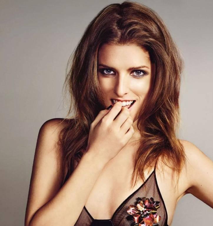 Anna kendrick sexy pics (7)