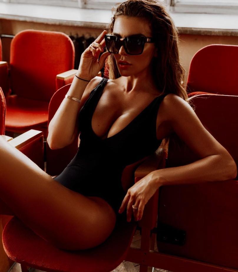 Анна седокова эро фото ню в откровенных позах (7)
