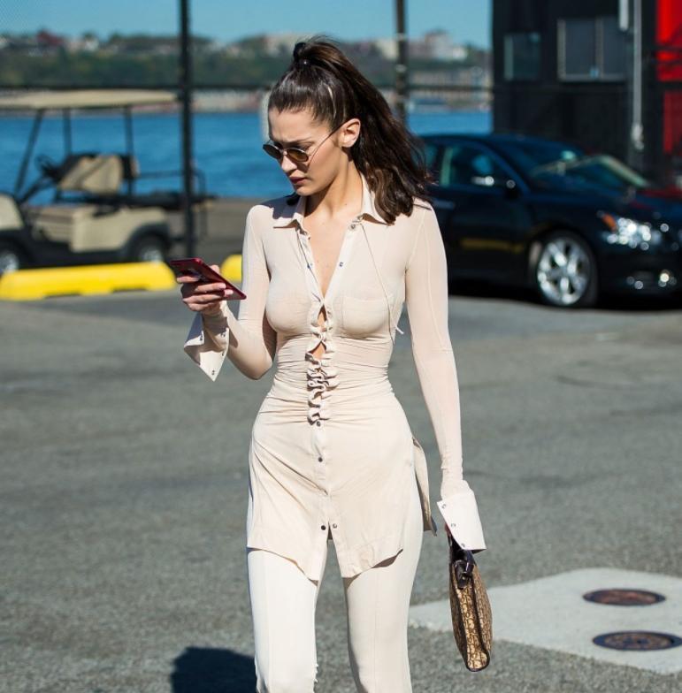Bella Hadid в прозрачной рубашке на публике