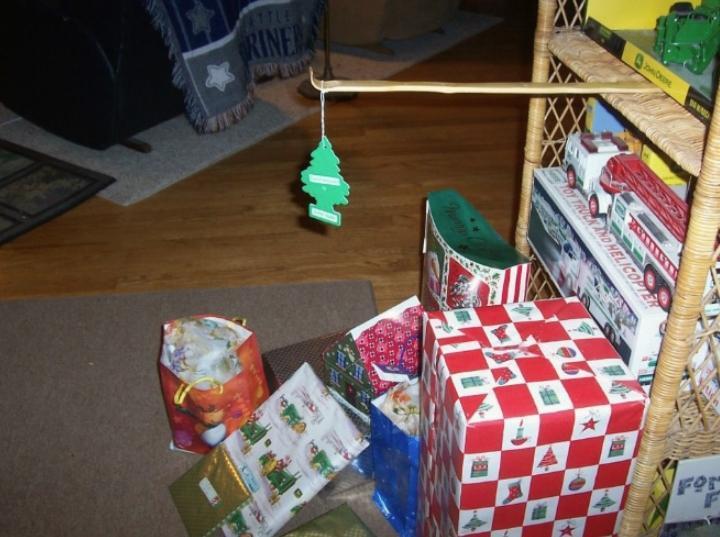 Безопасная новогодняя ёлка (7)