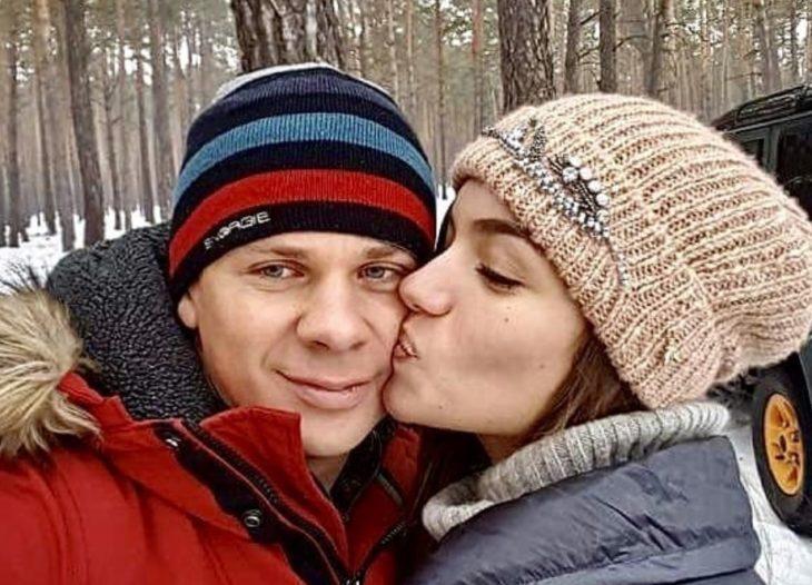Дмитрий комаров с женой