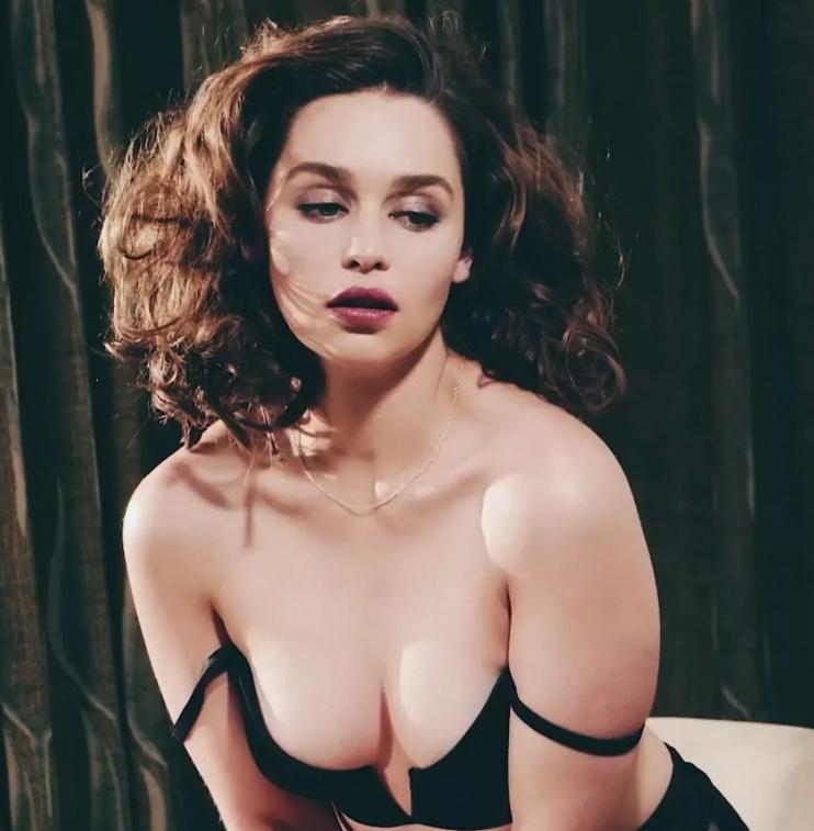 Эмилия кларк горячие фото (6)