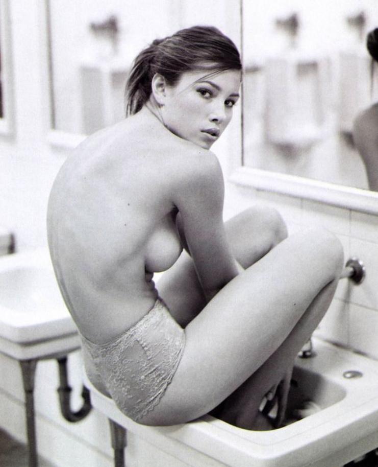 Jessica biel topless (2)