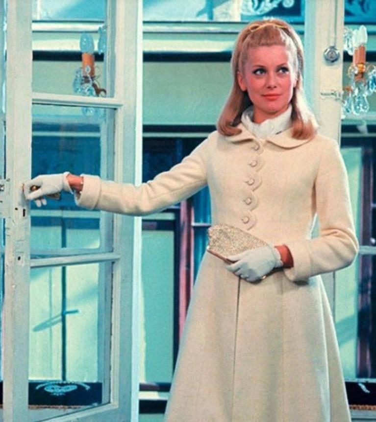 20 самых знаковых платьев всех времен, которые оставались неизменными на протяжении десятилетий