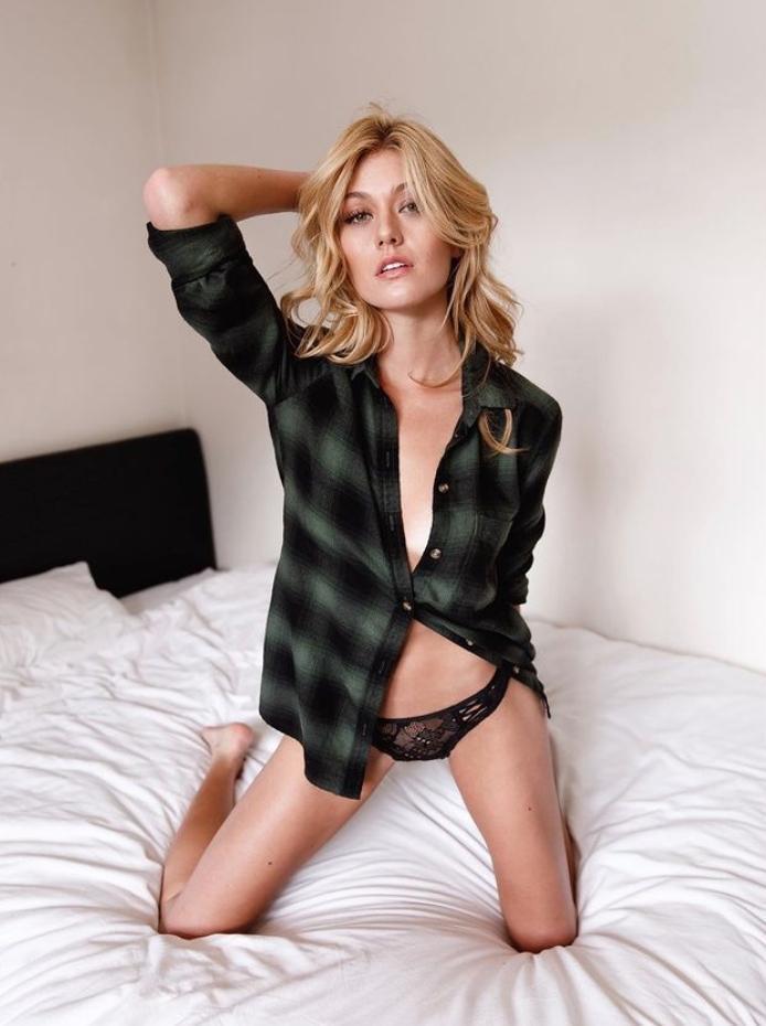 Кэтрин макнамара в нижнем белье (3)
