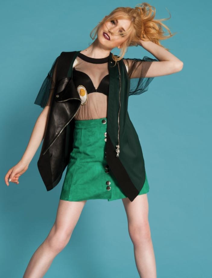 Кэтрин макнамара в нижнем белье (5)