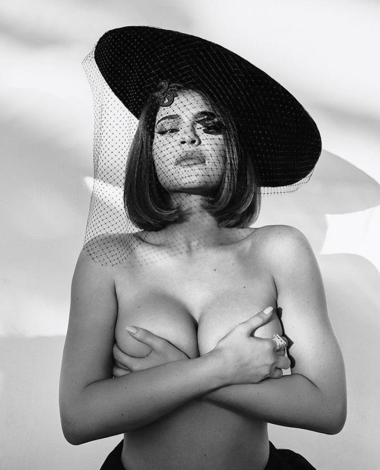 Kylie jenner без одежды (9)