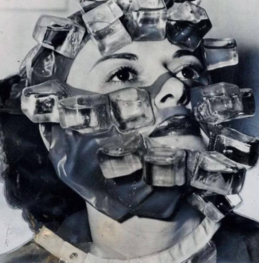 Ледяная маска для лица