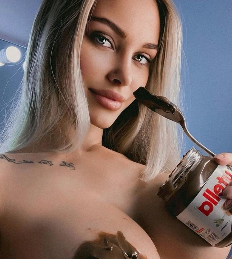 Lily ermak topless