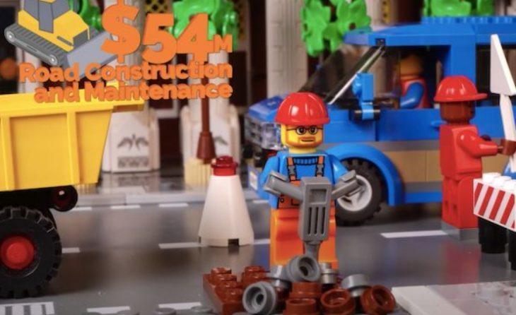 наглядно объяснил свой бюджет с помощью LEGO