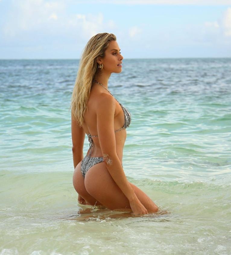 Натали розер сексуальная попа, стройное тело (1)