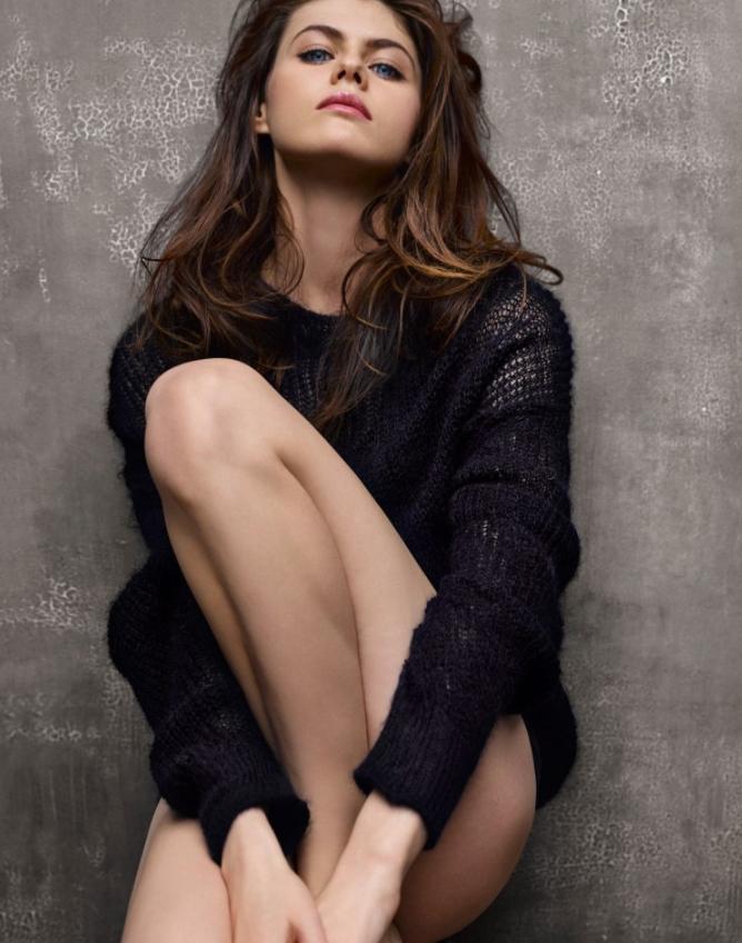 Откровенные фото красивой актрисы (1)