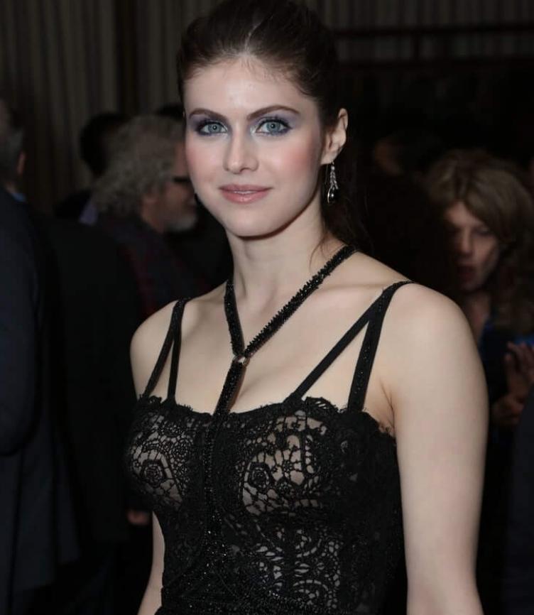 Откровенные фото красивой актрисы (4)