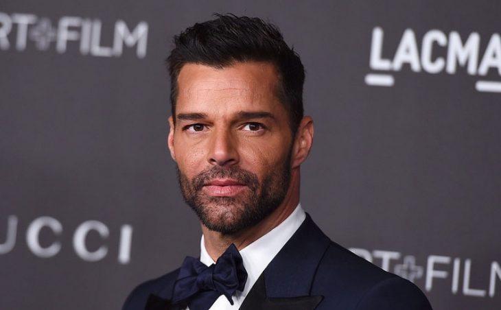 Красивый и горячий мужчина Ricky Martin