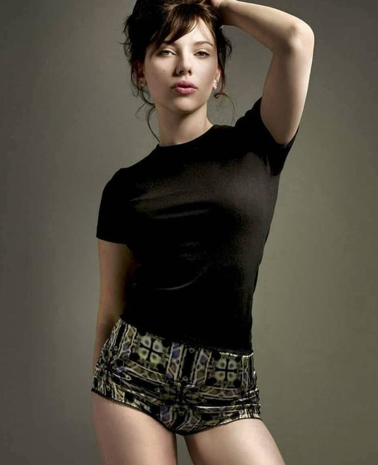Scarlett johansson hot photos (1)