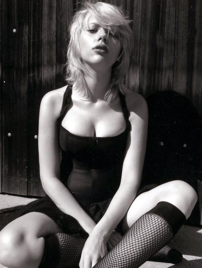 Scarlett johansson sexual pics (1)