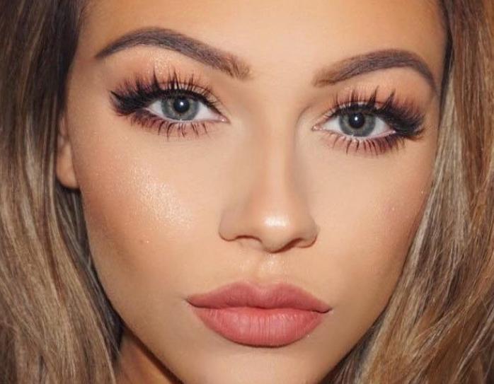 макияж для зелёных глаз шатенок