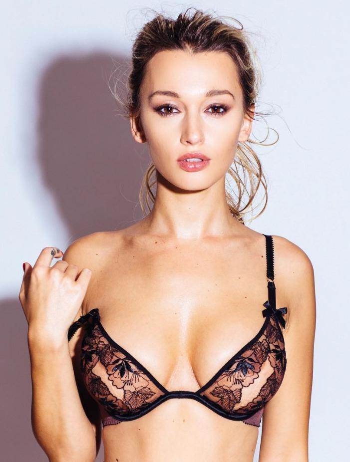 Сексуальная каролина бенефилд в одном нижнем белье (11)