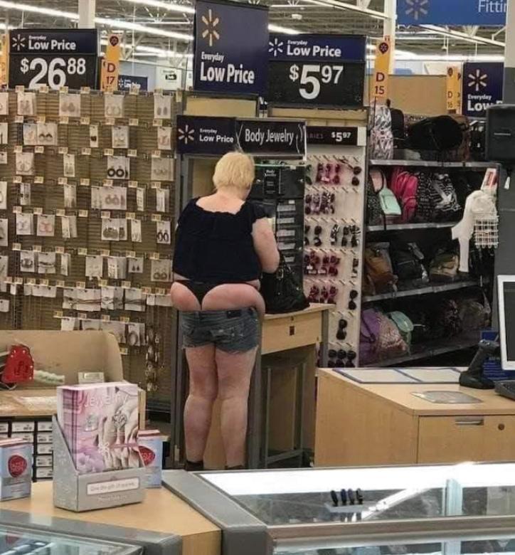 Смешные люди в магазинах (7)