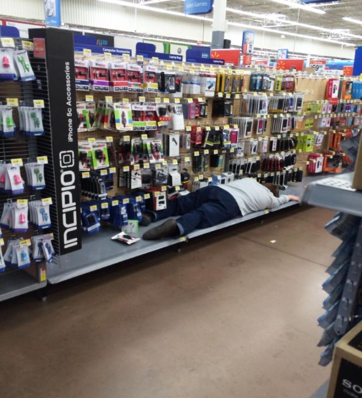 Странные люди в супермаркете (1)