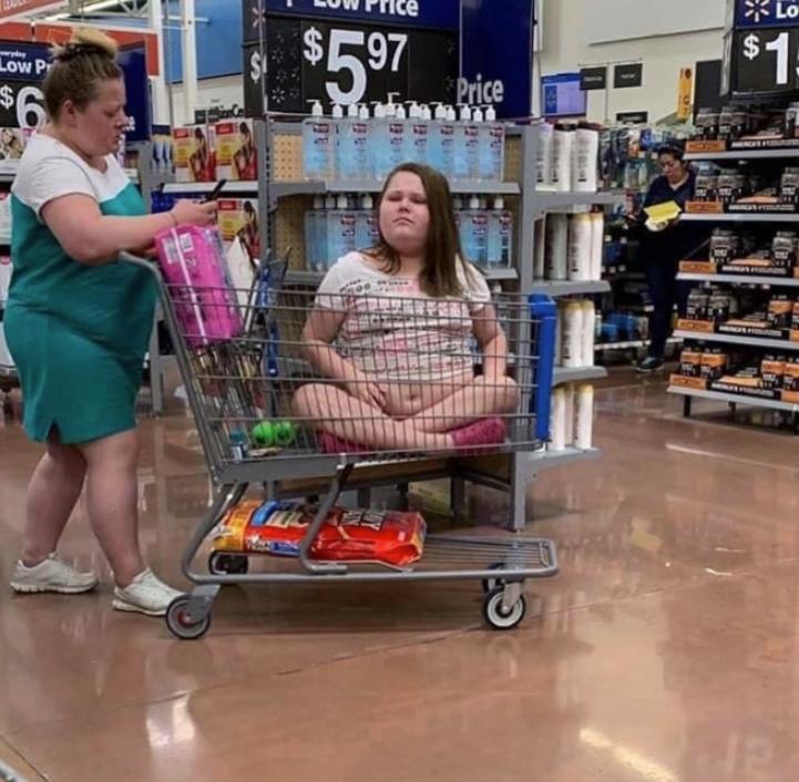 Странные люди в супермаркете (2)