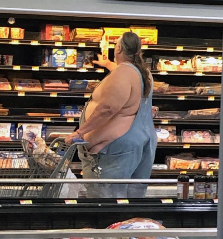 Странные люди в супермаркете (4)