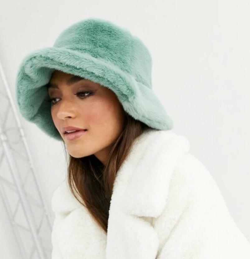 Тренды зимы 2021 шапка