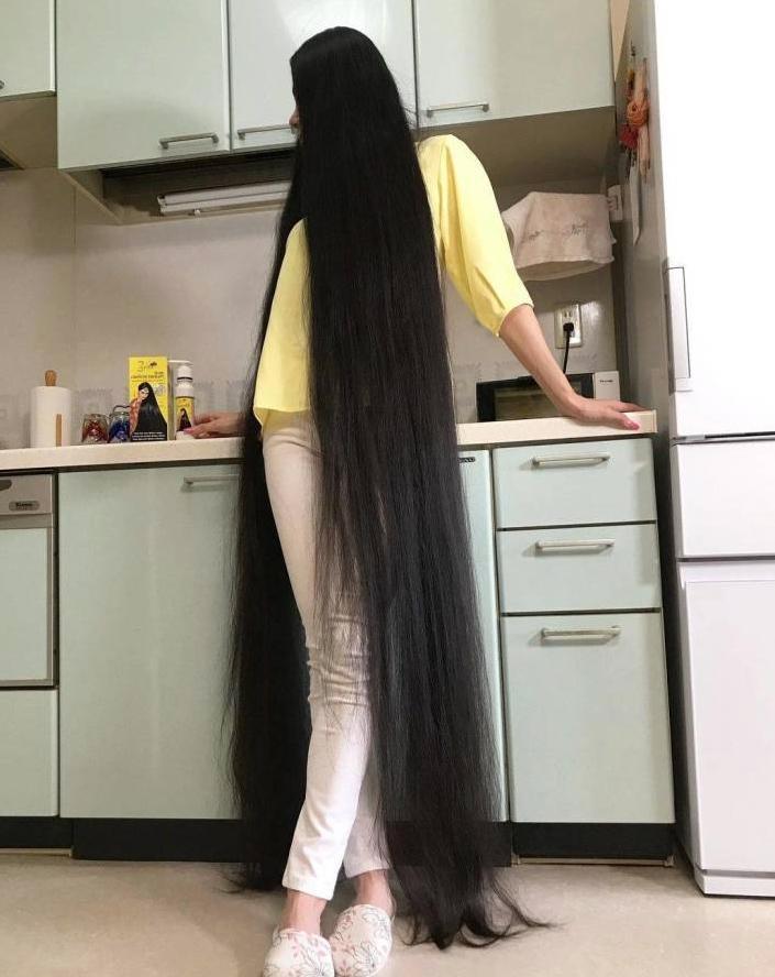 Японка с длинными волосами (3)